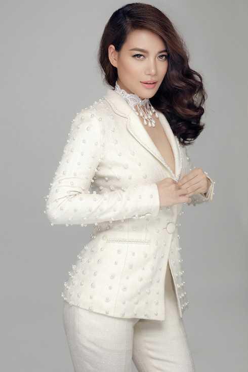 Bận rộn với công việc là thế nhưng Trương Ngọc Ánh vẫn 'luôn xinh đẹp theo cách của riêng mình', cách của một trong những người phụ nữ đa tài nhất showbiz Việt.