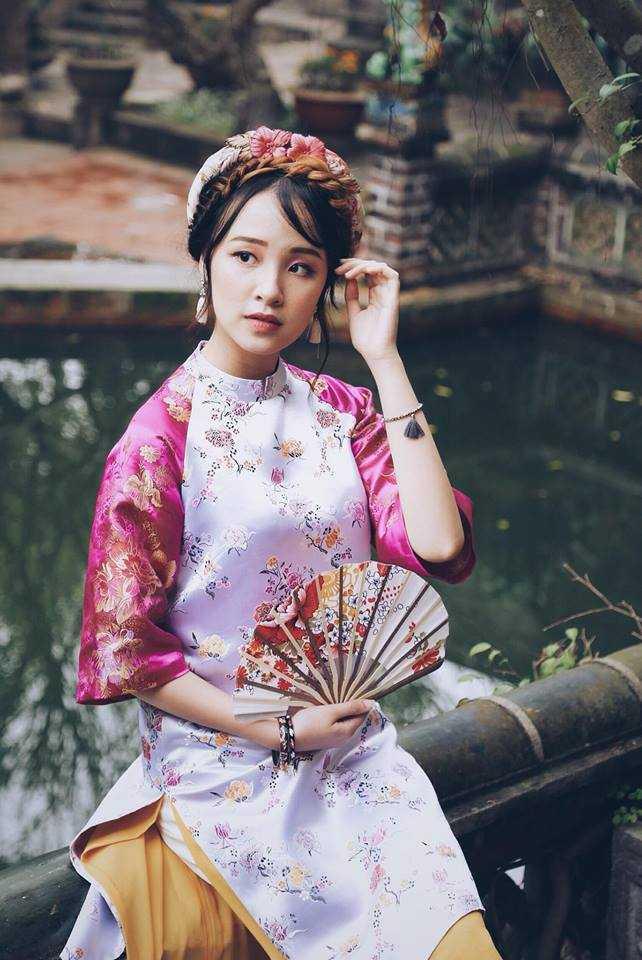 Lê Hương Thảo, sinh năm 1996, là du học sinh trường Ritsumeikan Asia Pacific University – Beppu, Japan. Hương Thảo vừa giành ngôi vị Á khôi 1 cuộc thi Miss Du học sinh Việt 2015.