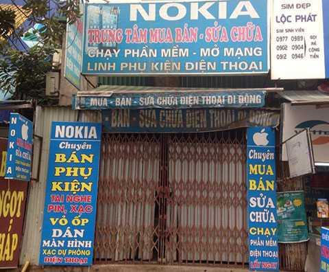 Thị trường bán lẻ di động không còn chỗ cho các cửa hàng nhỏ lẻ. Ảnh:  Thành Duy.