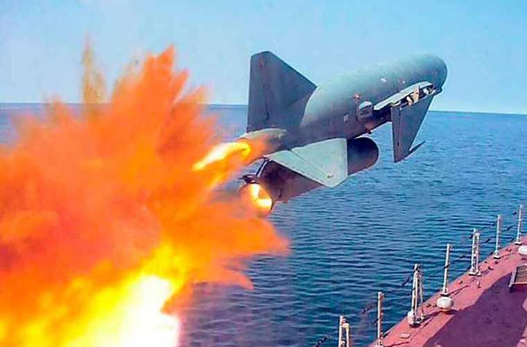 Tên lửa hành trình chống hạm P-15U (mã định danh GRAU là 4K40U) là biến thể cải tiến của dòng tên lửa P-15 Termit (NATO gọi là SS-N-2C Styx) với cánh có thể gấp gọn lại đi vào phục vụ năm 1965.