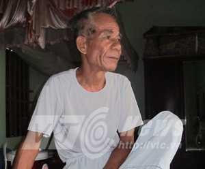 Ông Đỗ Văn Nhật, nguyên chủ tịch xã Thủy Triều, kể chuyện về nhóm cướp Phạm Văn Động