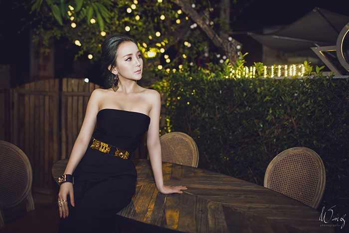 Với ngoại hình nóng bỏng, phong cách trình diễn ấn tượng, Kim Uyên là một trong số những gương mặt DJ nữ khá nổi tiếng trong cộng đồng trẻ.