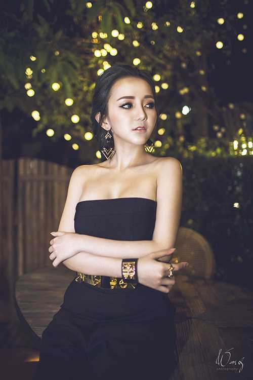 Ngoài làm DJ, mẫu ảnh, Uyên còn được biết đến với vai trò diễn viên không chuyên.