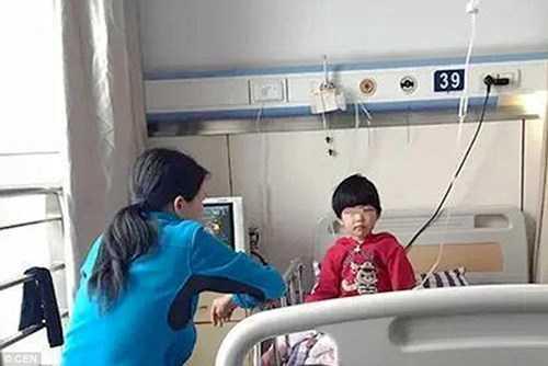 Liu Liu không bị thương nặng sau tai nạn rơi từ tầng 11.