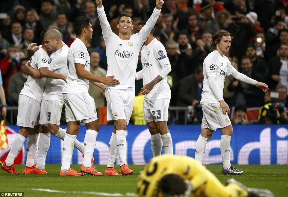 Ronaldo ghi bàn hạ gục AS Roma