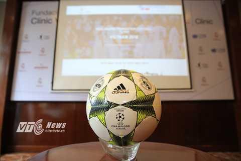 Real Madrid sẽ sớm đến Việt Nam thông qua dự án kiểu thế này (Ảnh: Phạm Thành)