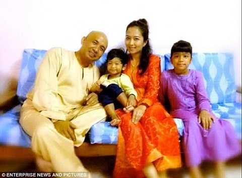 Faizah Ha-nun và chồng mình, cơ trưởng của MH370