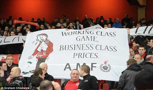 Giá vé cắt cổ ở Premier League và Champions League