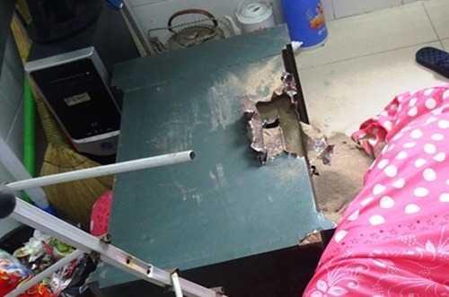 Chiếc két sắt bị kẻ gian phá lấy tài sản