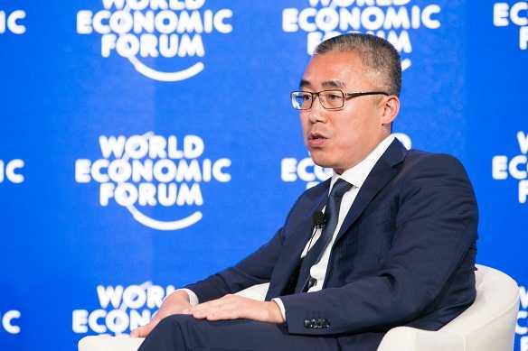 Li Ruigang phát biểu tại Diễn đàn kinh tế thế giới.
