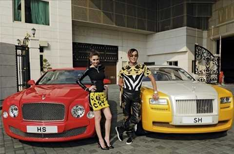 Vợ chồng tài phiệt Hong Kong và 2 mẫu siêu sang gắn biển SH - viết tắt tên Stephen Hung
