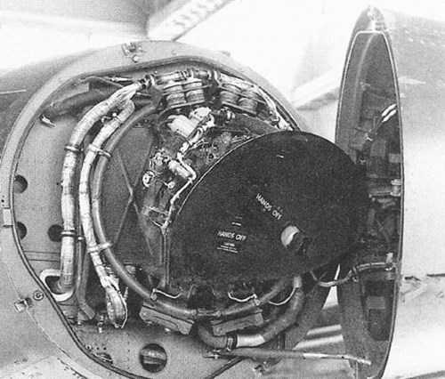 Radar R-14A, thành phần chính trong hệ thống AN/ASG-19.