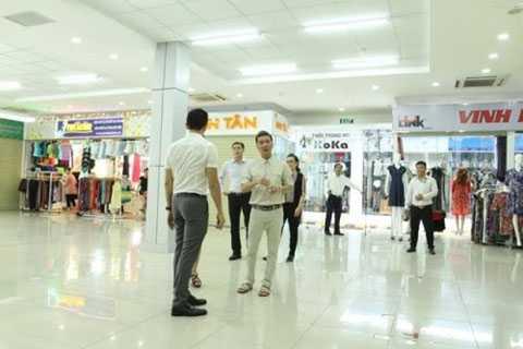 Trung tâm thương mại chợ sỉ Tân An Đông đang từng bước được hoàn thiện.