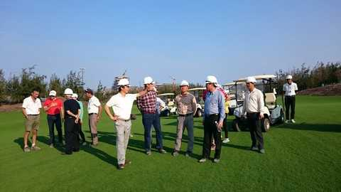 Chủ tịch FLC thăm sân golf FLC Quy Nhơn Golf Links - hoàn thành tháng 11/2015 – một trong ba sân đẹp nhất châu Á