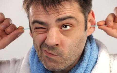 Vệ sinh tai hàng ngày bằng tăm bông có thể dẫn tới giảm thính lực, thậm chí gây điếc