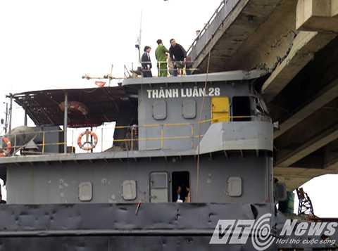 Ca bin tàu Thành Luân 28 đâm vỡ dầm dự ứng lực cầu An Thái và mắc kẹt tại đó