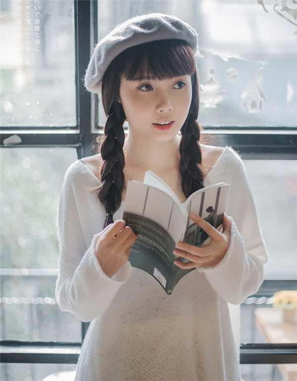 Sở hữu gương mặt dễ thương và đáng yêu, cô giáo tương lai nhận được rất nhiều sự chú ý của dân mạng.