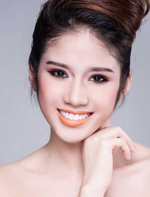 Người đẹp thường xuất hiện trong các bộ ảnh thời trang và một số sự kiện giải trí phía Nam.