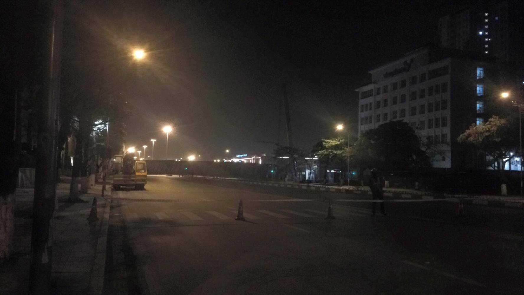 Hiện trường vụ tai nạn được bảo vệ không cho ai qua lại - Ảnh: Việt Linh
