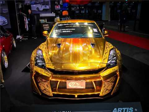 """Chiếc xe """"Nữ thần vàng"""" R35 GT-R do hãng xe nổi tiếng của Nhật Bản"""