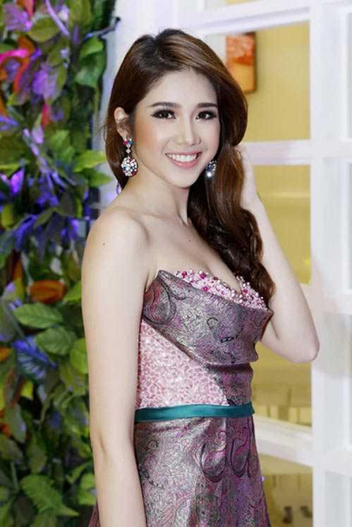 Đồng Thanh Vy sở hữu vẻ đẹp ngọt ngào, thanh thoát