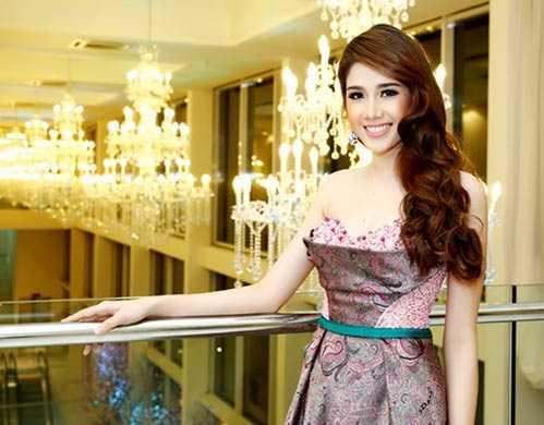 Tuy đoạt giải cao trong một cuộc thi nhan sắc quốc tế, nhưng khi về nước, Đồng Thanh Vy không đẩy mạnh tên tuổi như những người đẹp khác