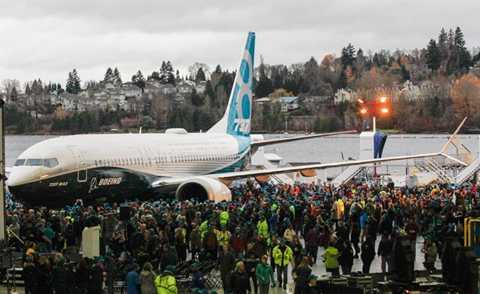 Nhìn chung, Boeing cho hay, thế hệ máy   bay mới sẽ đạt hơn 20% hiệu suất so với dòng 737 hiện tại và rẻ hơn 8%   so với đối thủ A320neo.