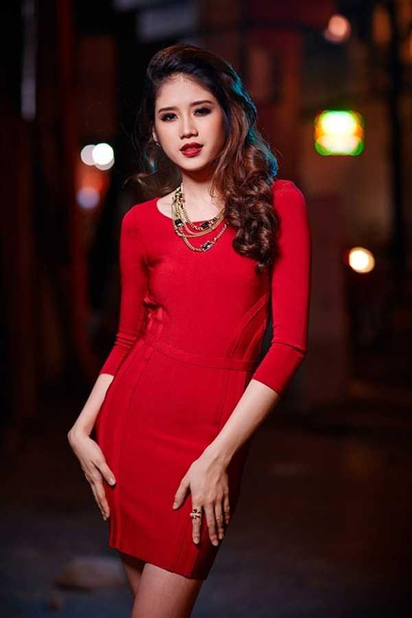 Khi tham gia Hoa hậu Đông Nam Á, Đồng Thanh Vy đang là nữ sinh của trường Cao đẳng Kế toán Hà Nội. (Ảnh: Simeon Quarrie, Kornel Flint)