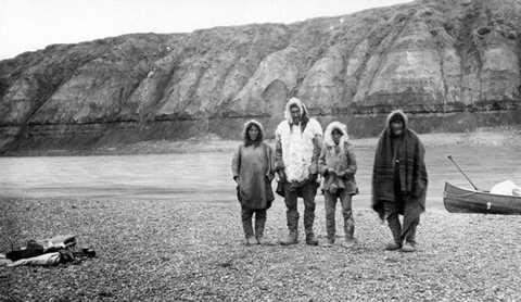 Hồ Anjikuni ở Nunavut, Canada được đánh giá là