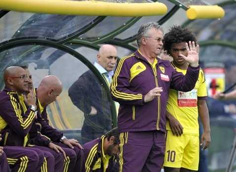 HLV Guus Hiddink và tiền vệ Willian cũng từng tới Nga làm việc.