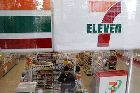7 Eleven là một trong các thương hiệu của Dairy Farm. Ảnh: Reuters