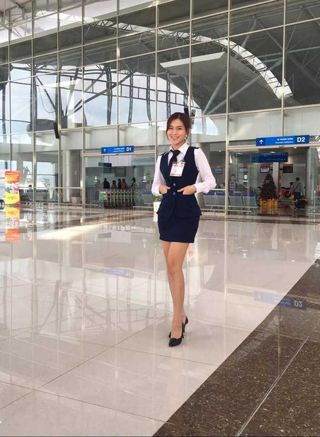 Hiện tại, côđang thực tập tại bộ phận kiểm tra an ninh tại sân bay.