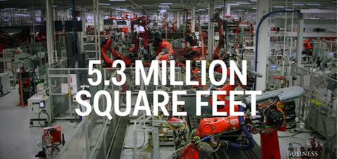 Được biết, nhà máy này rộng khoảng 5,3 triệu feet vuông - tương đương 490.000 m2