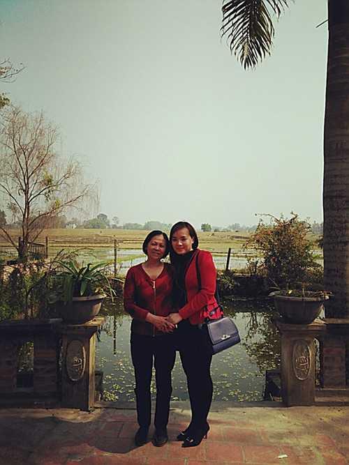 Chị Lê Thanh Hiền và mẹ Phan Thị Tuyết Hoa - Ảnh gia đình cung cấp