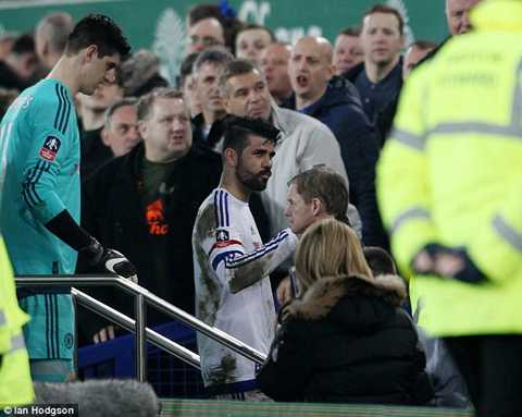 Nếu BTC Premier League tìm ra bằng chứng Costa cố tình cắn Gareth Barry, tiền đạo quốc tịch Tây Ban Nha sẽ phải nhận thêm án phạt.