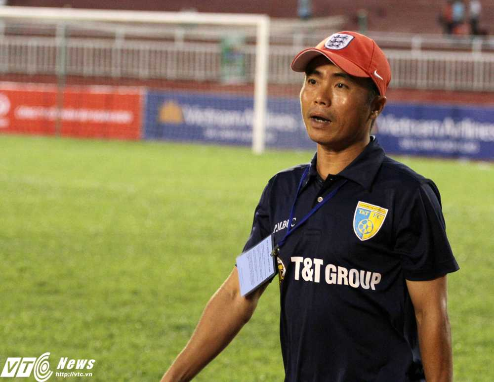HLV Phạm Minh Đức của Hà Nội T&T (ảnh: Hoàng Tùng)
