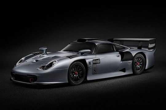 Có kiểu dáng như những chiếc 911 GT1 Straßenversions