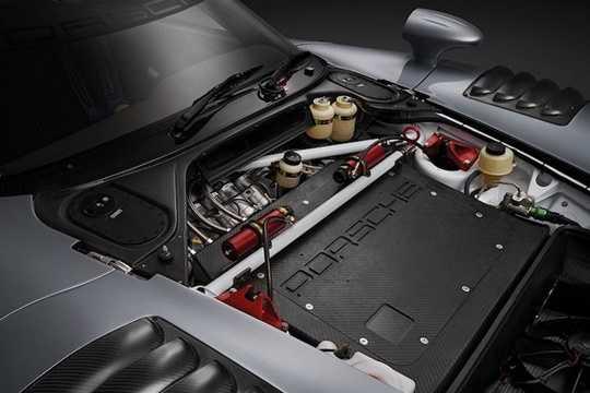 Sắp tới, chiếc 911 GT1 Evo này sẽ được nhà đấu giá RM Sothebys đem ra đấu giá tại Monaco với giá dự đoán có thể lên tới 3 triệu Euro (tương đương 74,5 tỷ đồng). Số tiền này có thể giúp các đại gia dễ dàng mua được một chiếc Bugatti Chiron mới ra, nhưng chắc chắn rằng nó sẽ không
