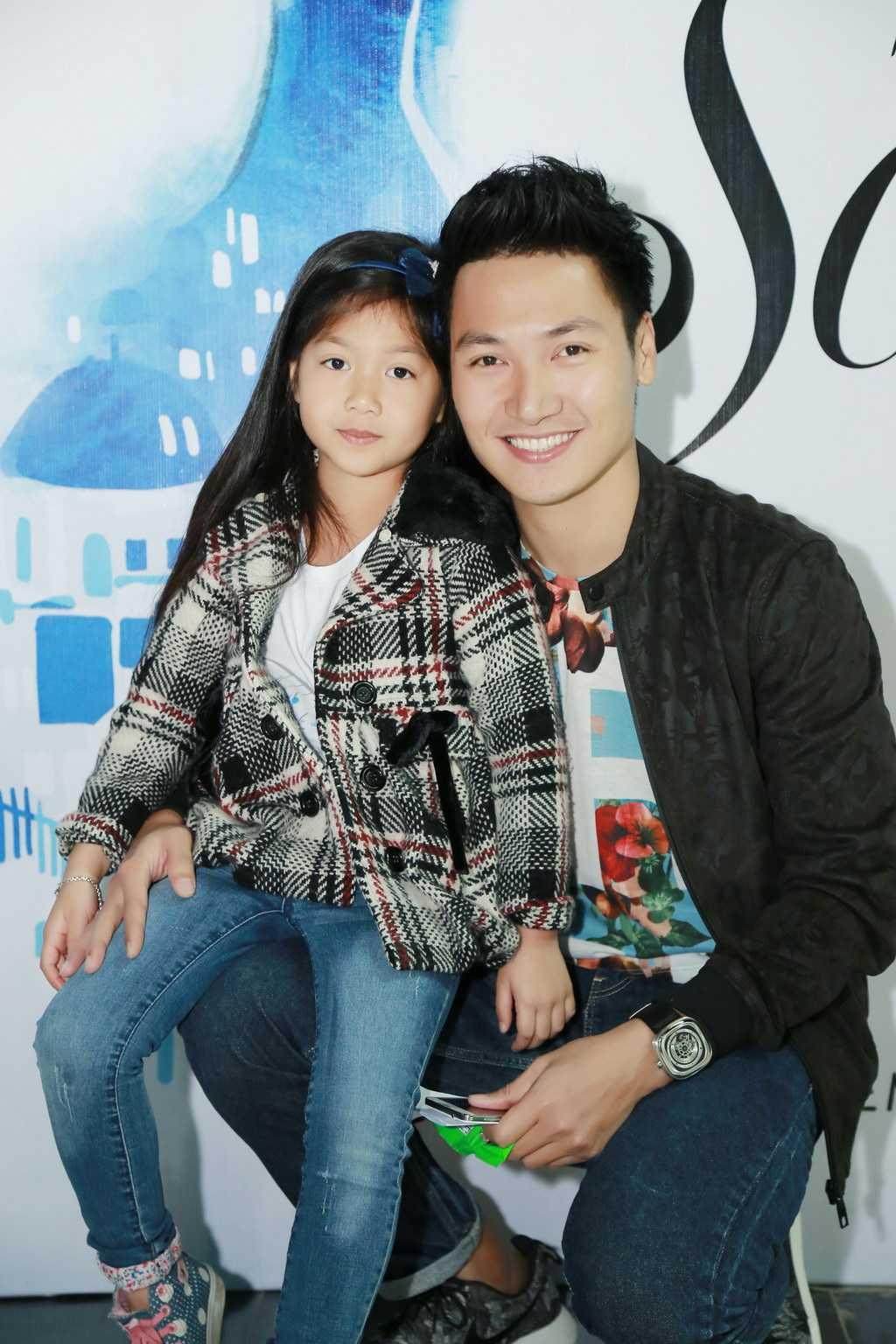 Sự kiện đặc biệt có sự xuất hiện của hai bố con diễn viên Mạnh Trường - bé Chíp.