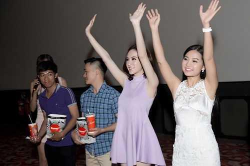 """Angela Phương Trinh cho biết: """"Khi nhận lời tham gia """"Taxi, em tên gì?"""" tôi đã cảm thấy rất háo hức, thích thú"""