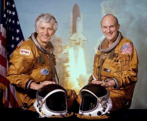 Phi hành đoàn 2 người của tàu STS-4