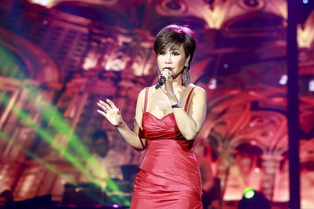 Khánh Hà hát vinh danh Trần Thiện Thanh và Anh Bằng