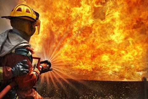 Nhân viên cứu hỏa. Thêm một nghề nghiệp được coi là liều mình vì mạng sống của người khác. Không khó để có thể gọi người cứu hỏa là
