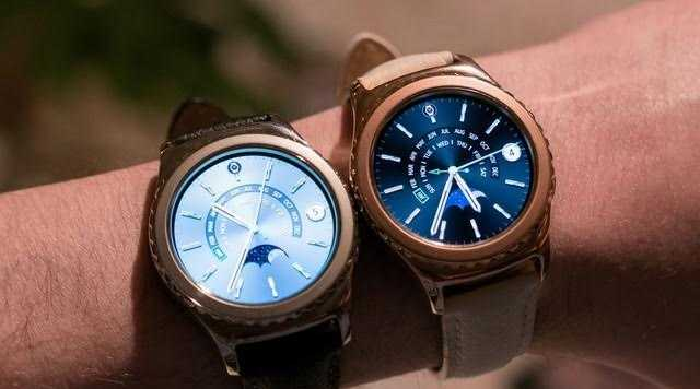 Đồng hồ thông minh Samsung Gear S2 Platinum có giá 8.990.000 đồng và được tặng thêm phiếu mua hàng 3 triệu đồng khi đặt trước tại Thế Giới Di Động