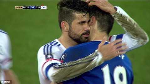 Diego Costa chưa hề cắn Gareth Barry