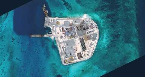 Đảo nhân tạo Trung Quốc xây trái phép trên Đá Gạc Ma. Ảnh: CSIS
