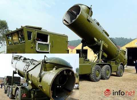 Tổ hợp tên lửa đất đối hải (tên lửa bờ) REDUT-M biên chế sẵn sàng chiến đấu tại Đoàn 679 Hải quân