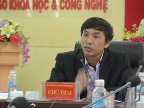 """Ông Hoàng Vĩnh Khuyến, Phó giám đốc Sở Khoa   học và Công nghệ Quảng Ninh nói: """"Hiện nay, Quảng Ninh phát triển mô hình kinh tế từ   'nâu' sang 'xanh' nhằm phát huy nhiều thế mạnh của tỉnh trong đó có phát   triển cây dược liệu quý."""