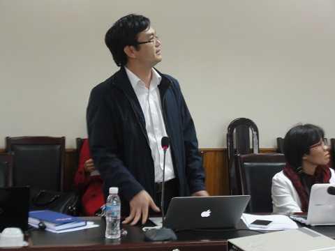 Ông Phan Văn Hiệu trình bày đề tài nghiên cứu.