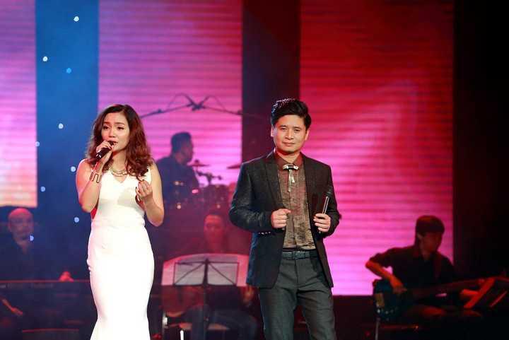 Với giọng hát đẹp, ngọt ngào cùng phong cách trình diễn đầy nữ tính, Ngọc Anh đã chinh phục trái tim toàn bộ khán giả